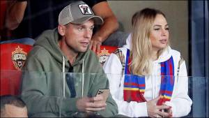 Глушаков целовался с футболисткой ЦСКА Коваленко во время дерби