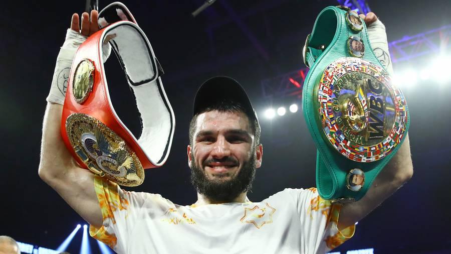 Непобежденный боксер Бетербиев вернется на ринг 23 октября