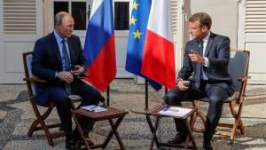 Раскрыто содержание разговора Путина и Макрона о ситуации с Навальным