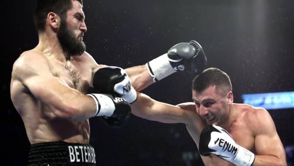 Бетербиев рассказал о желании провести бой с Усиком