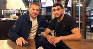 Петр Ян поспорил с чемпионом Европы по вольной борьбе