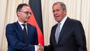 Лавров призвал ФРГ отказаться от политизации ситуации с Навальным
