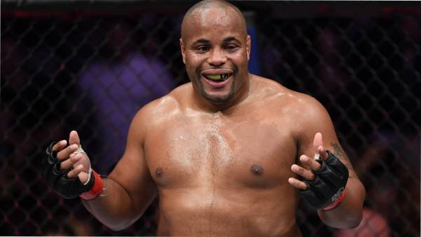 Кормье обратился к UFC c просьбой организовать бой Масвидаля и Ковингтона