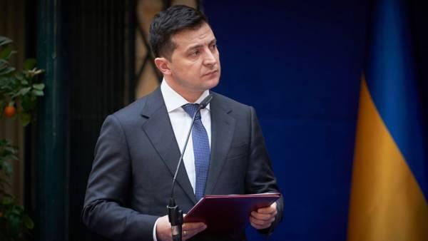 Зеленский выдвинул Варшаве ультиматум из-за могил украинских националистов