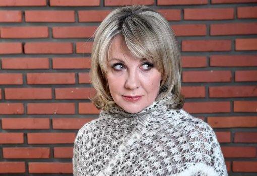 Актрису Елену Яковлеву из-за нового имиджа сравнили с Лерой Кудрявцевой и Василисой Володиной