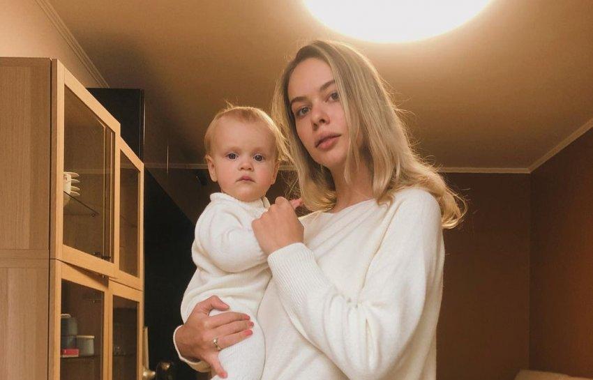 Фигуристка Анна Погорилая рассказала о переменах в жизни после рождения дочери Евы