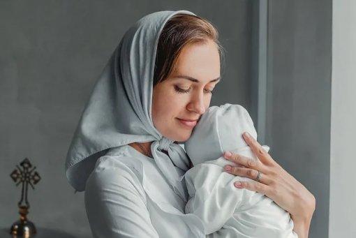 Экс-участница «Дом-2» Мария Круглыхина крестила младшую дочь