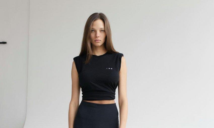 Модель Алеся Кафельникова пожаловалась, что после родов у нее появились растяжки на груди