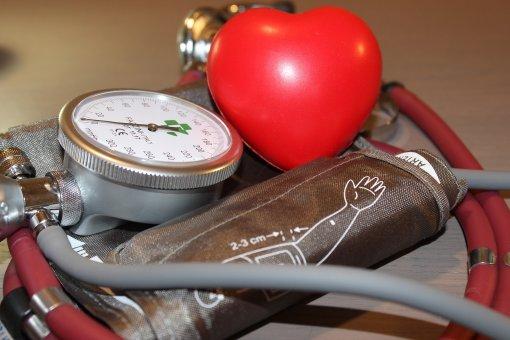 Врач-кардиолог Анна Кореневич назвала симптомы, сигнализирующие об отрыве тромба