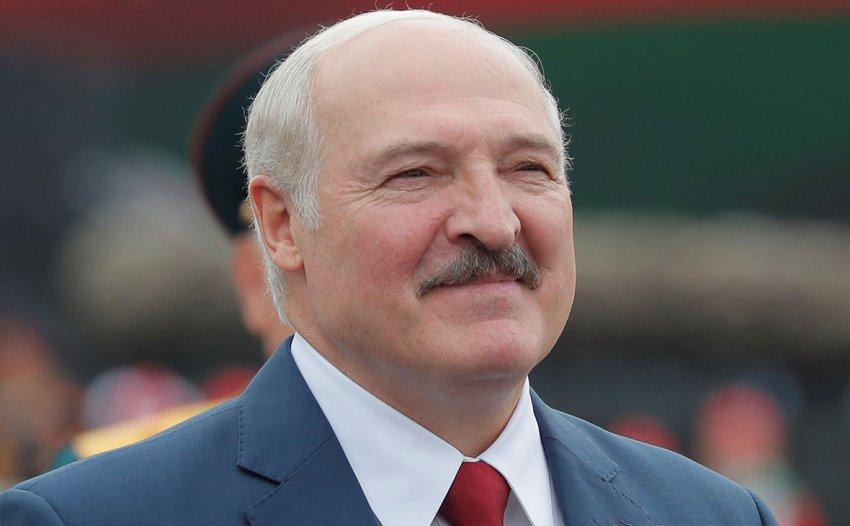 Президент Александр Лукашенко заявил, что белорусы не дадут развалить страну с «санитарным кордоном»