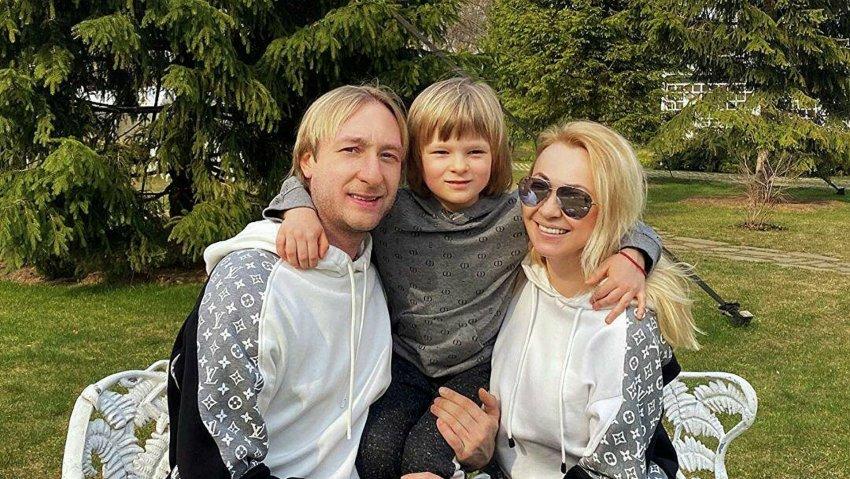 Сын фигуриста Евгения Плющенко Александр рассказал о своем представлении детства отца