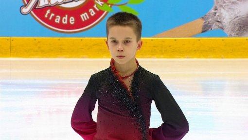 Воспитанник Евгения Плющенко Кирилл Сарновский победил на юниорском Гран-при в Кошице