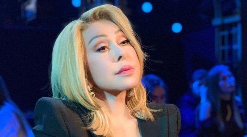 Певице Любови Успенской запретили исполнять её хит «По полюшку»