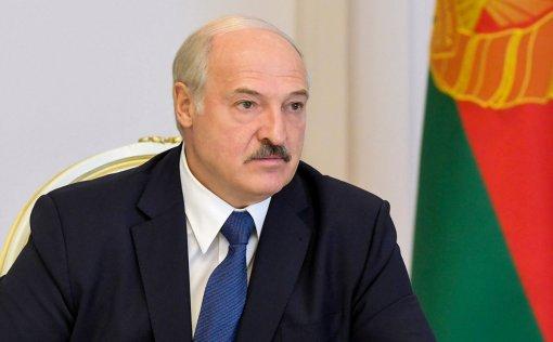 Президент Белоруссии Александр Лукашенко дал месяц для проработки новой Конституции