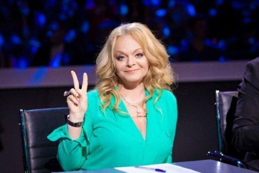 Певицу Ларису Долину заставили снять украшения во время премии