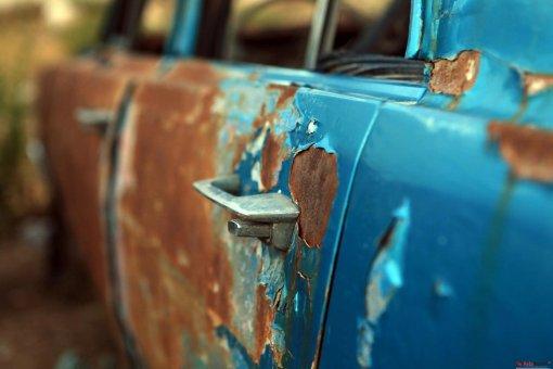 Водителям в РФ перечислили 3 признака того, что от авто пора избавляться