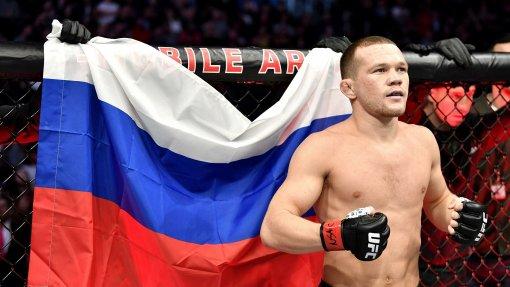 Россиянин Петр Ян может выйти на бой против Сэндхагена за титул временного чемпиона UFС