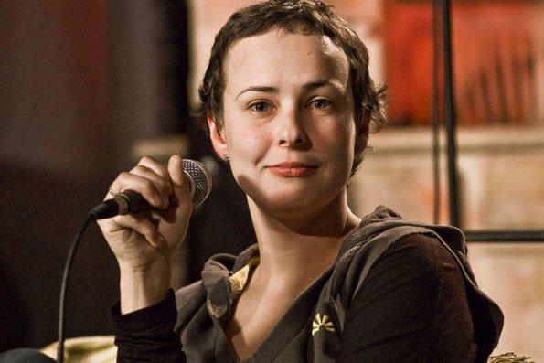 Певица Юлия Чичерина заявила, американцы привели шоу-бизнес в Россию, чтобы расшатать СССР