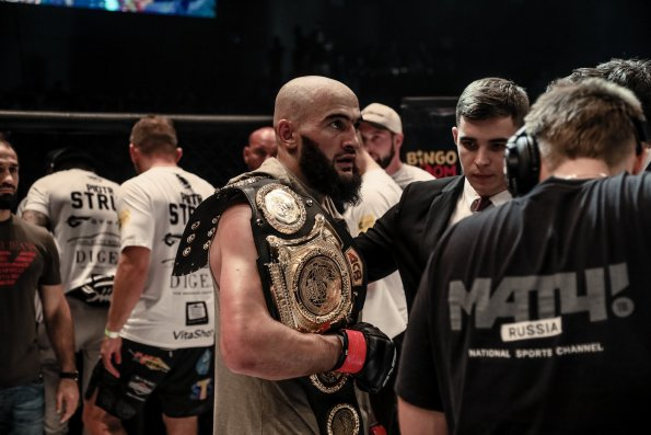 Боец Альберт Дураев победил на Претендентской серии Даны Уайта, получив шанс вступить в UFC
