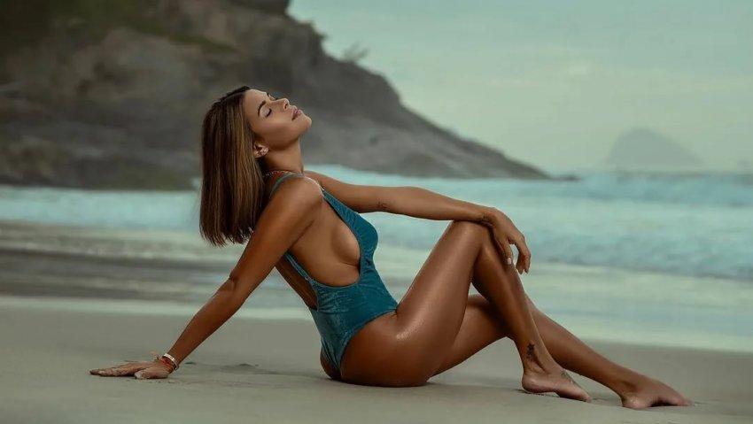 Бразильская манекенщица Луана Сандиен назвала увеличивающую ягодицы модель бикини
