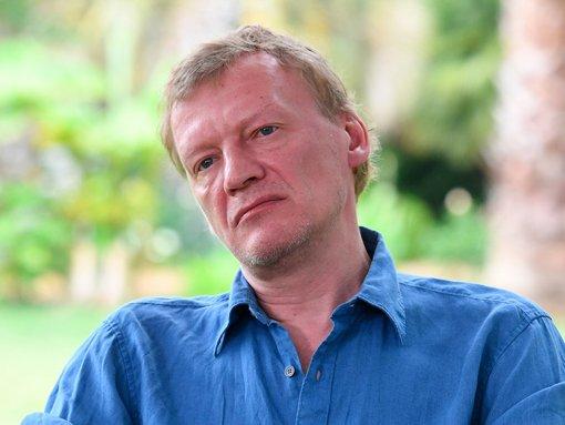 Вернувшийся в Россию актер Алексей Серебряков заявил, что его сыновья остались учиться в Канаде