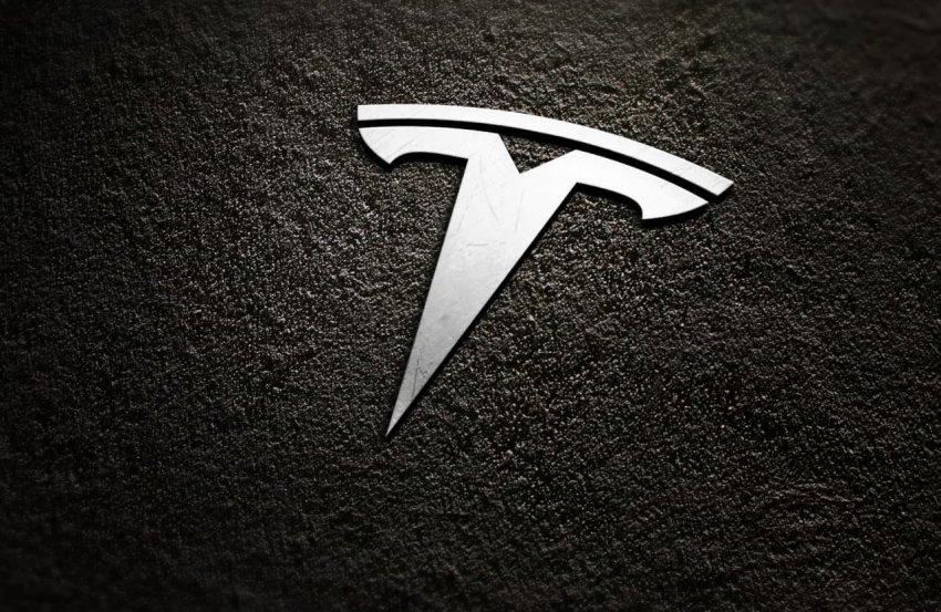 Появились первые изображения самого дешёвого автомобиля Тесла