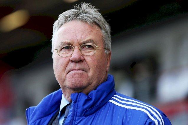 Голландский тренер Гус Хиддинк, работавший со сборной России, объявил о завершении карьеры