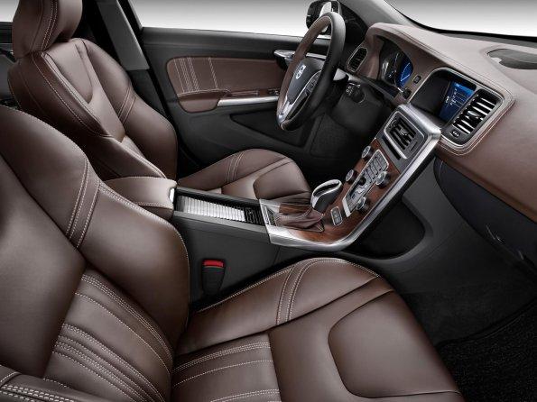 Компания Volvo полностью откажется от натуральной кожи в салонах своих авто к 2040 году