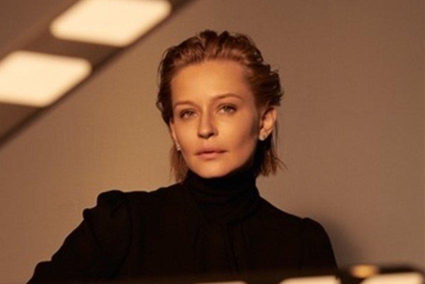 Актриса Юлия Пересильд тренируется в невесомости перед съёмками в космосе