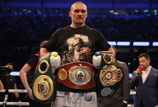 Александр Усик вернул чемпионские пояса британцу Энтони Джошуа после победы над ним
