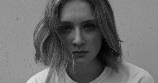 Юная дочь Сергея Бодрова в элегантном наряде затмила на «Кинотавре» многих маститых звезд