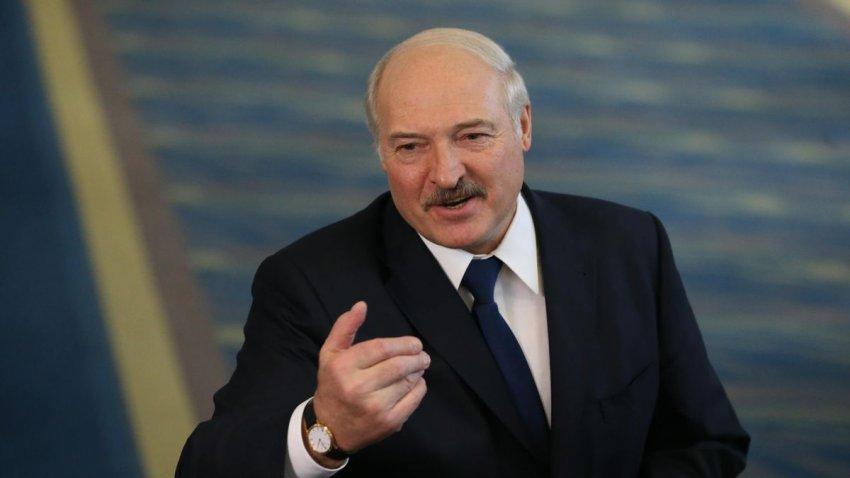 Президент Александр Лукашенко заявил об отказе в размещении российских военные базы в Белоруссии