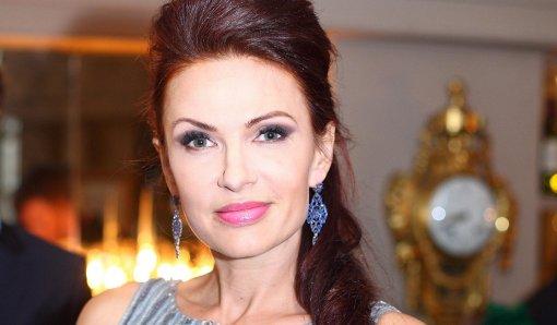 Актриса Эвелина Бледанс прокомментировала ситуацию с подаренной яйцеклеткой Наташи Королевой