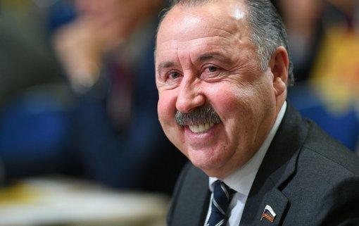 Экс-футбольный тренер Валерий Газзаев покинет нижнюю палату парламента по итогам выборов