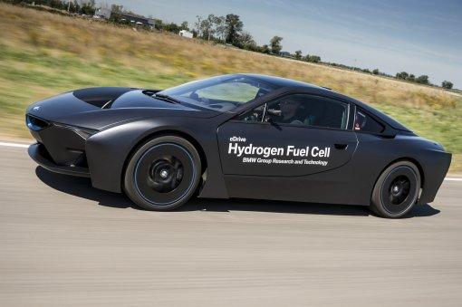 Немецкие автомобили могут перейти на водородные двигатели