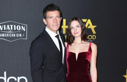 Дочь актера Антонио Бандераса изъявила желание отказаться от фамилии Мелани Гриффит
