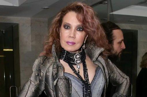 У певицы Азизы после свадьбы с молодым итальянцем выявился миллионный кредитный долг