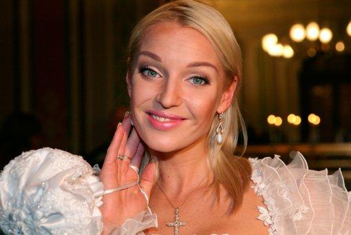 Блогер Лена Миро считает, что Волочкова демонстрирует шпагаты своему экс-мужу Вдовину