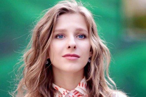 """Актриса Лиза Арзамасова очень удивилась своему прозвищу """"блаженная"""" в Интернете"""