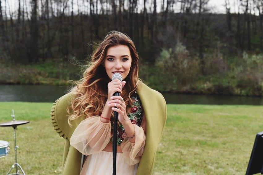 Певица Регина Тодоренко объяснила, почему у неё уменьшилась грудь